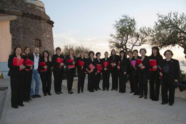 Coro femminile sardo