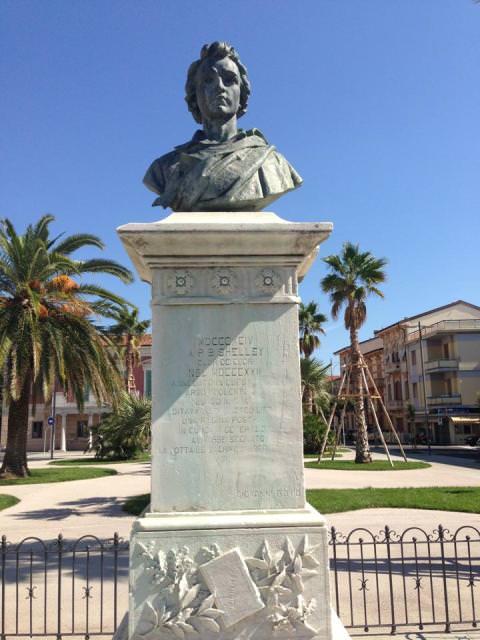 Monumento a Viareggio di Shelley
