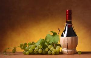 2) fiasco di vino rosso