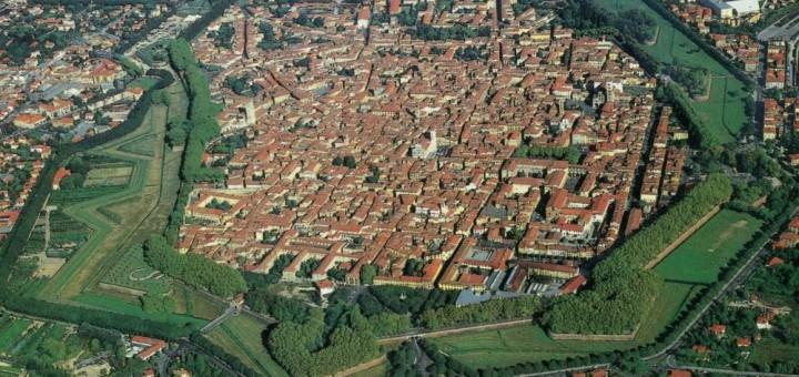 Lucca dall'aereo